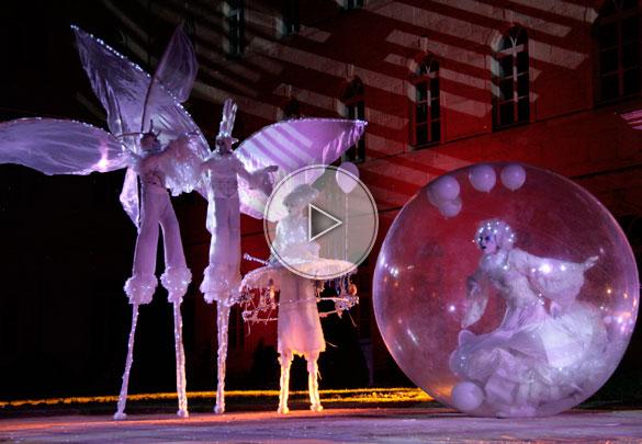 stilt walker, stilts walkers, toys, bubble, giant bubble, transparent bubble